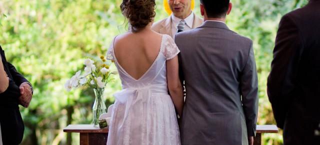 Um vestido para um casamento leve e descontraído.